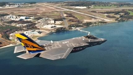 Navy Announces Decision to Base the F-35C at NAS Lemoore