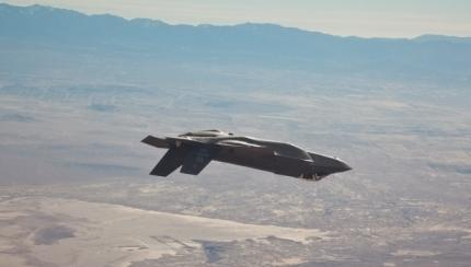 F-35 Flies Against F-16 In Basic Fighter Maneuvers