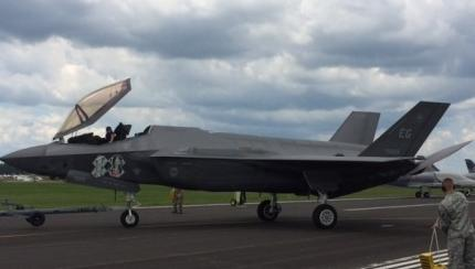 F-35 Lightning Makes Public Airshow Debut at AirVenture